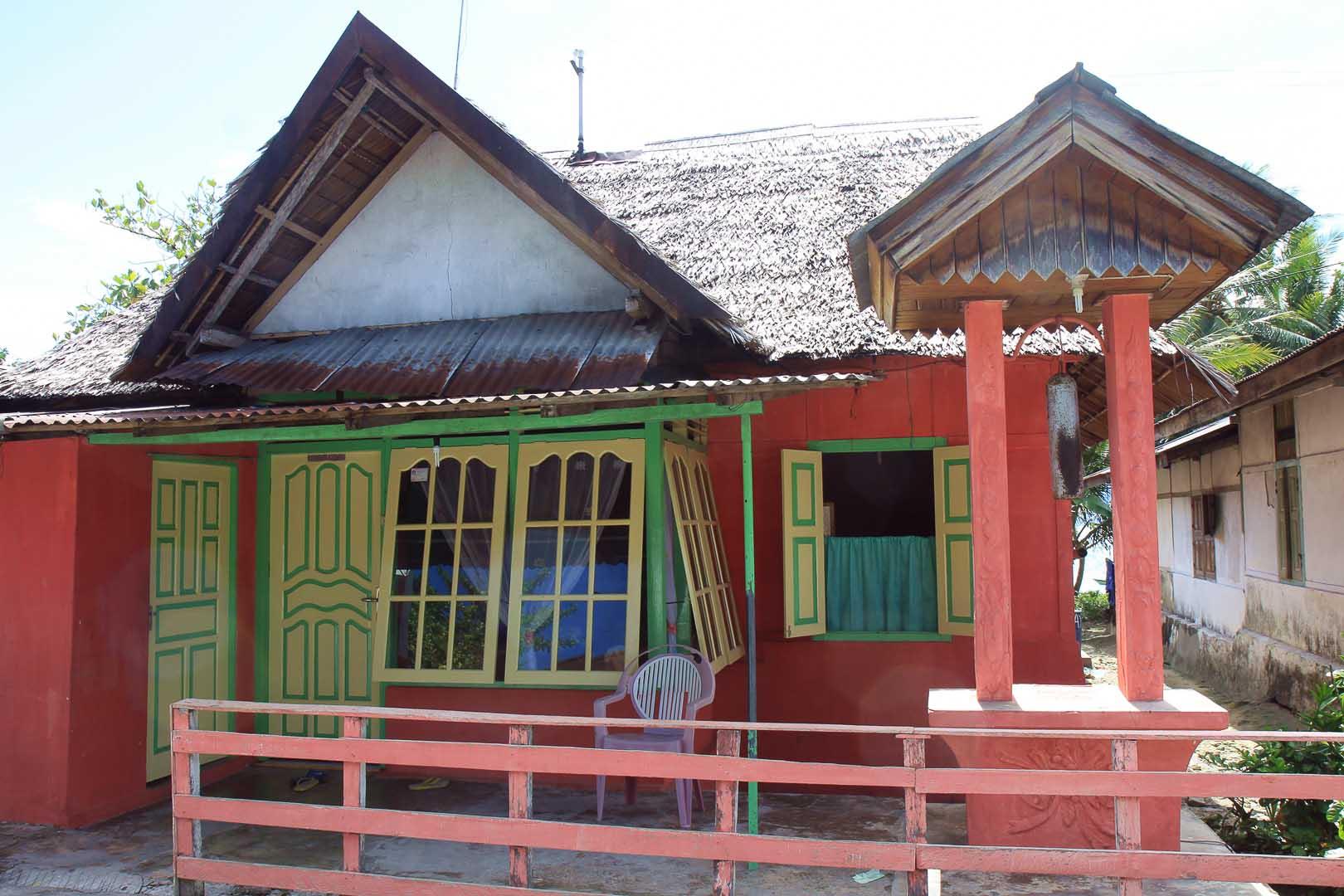 überall schicke häuser auf saparua