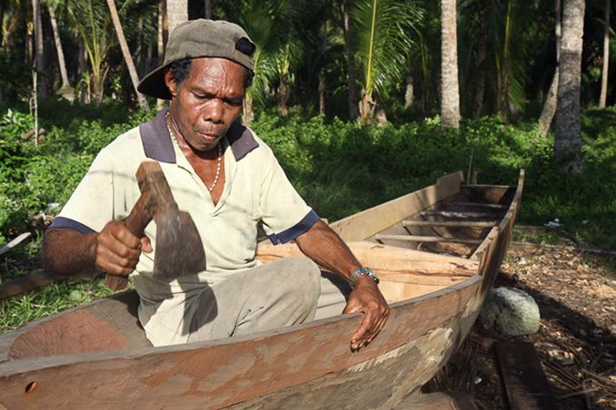 Bootsbauer auf Wokam