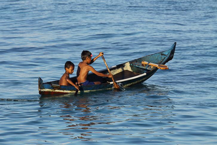 Kids mit Kanu unterwegs