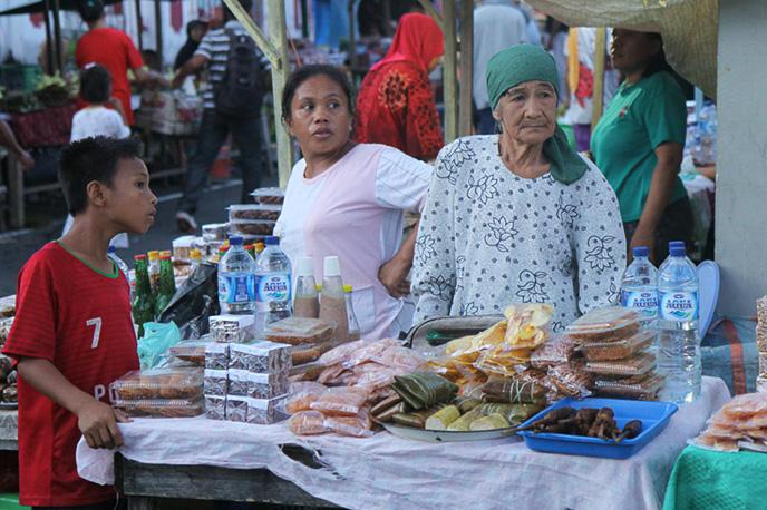 Shop im Hafen von Bandaneira