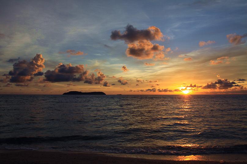 Sunset auf Ay