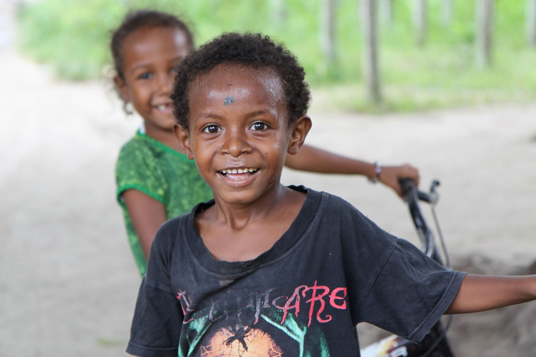 kids in sentani (2)