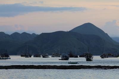 Abendstimmung im Hafen von Labuan Bajo