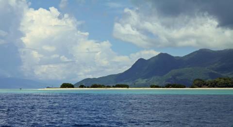Schöner Strand auf einer vorgelagerten Insel