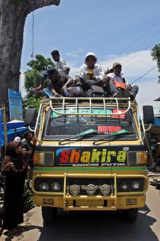 Bus auf Lembata