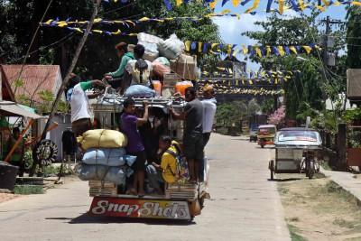 Jeepney voll beladen