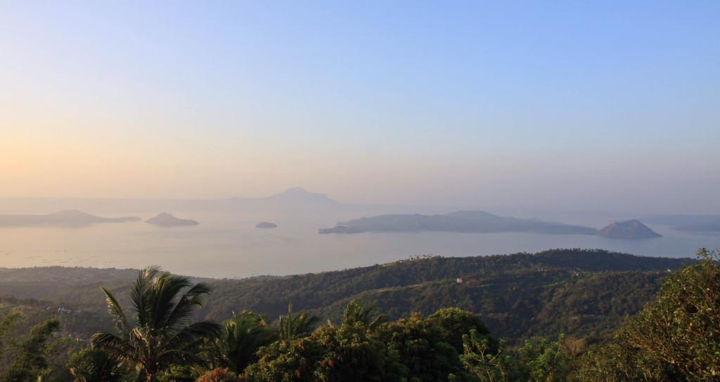 Lake Taal und Taal Vulkan